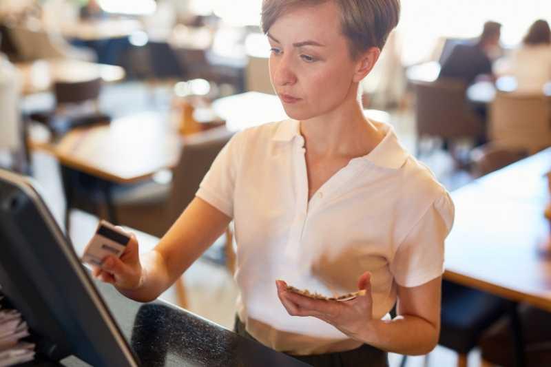 カフェ店員をナンパする方法
